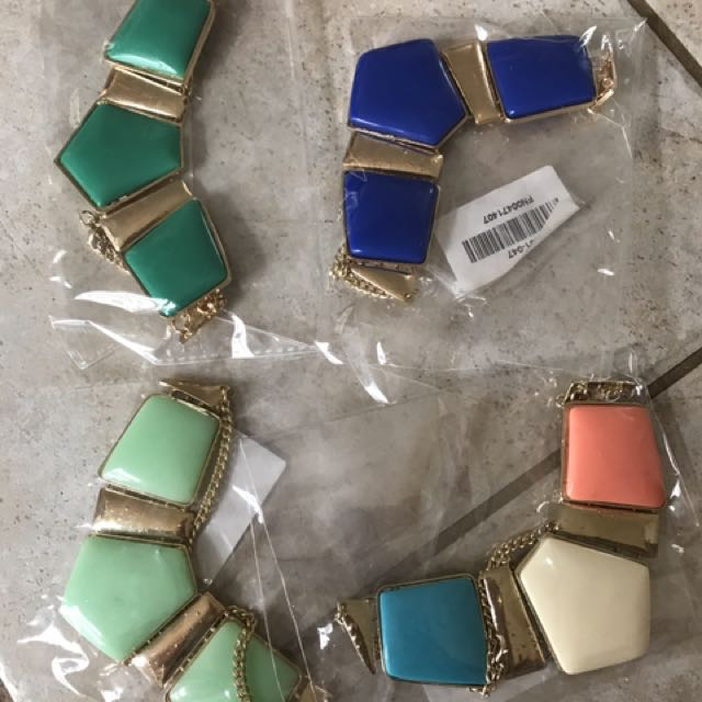 4x Women's Fashion Jewellery NEW