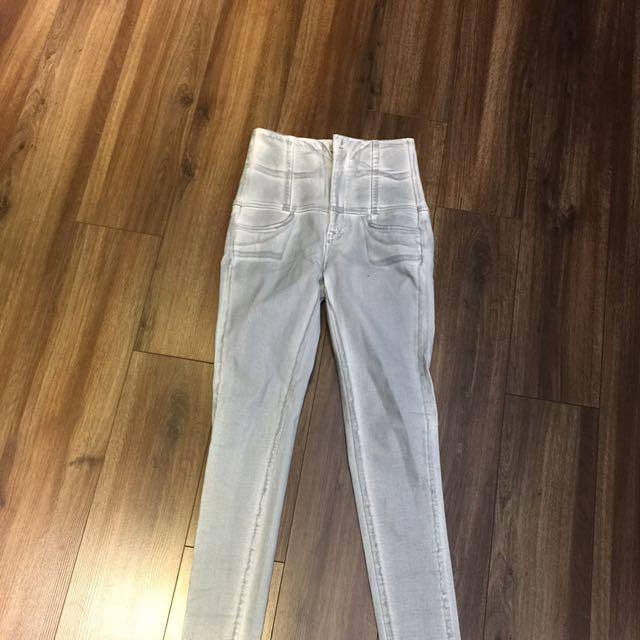 刷白牛仔褲