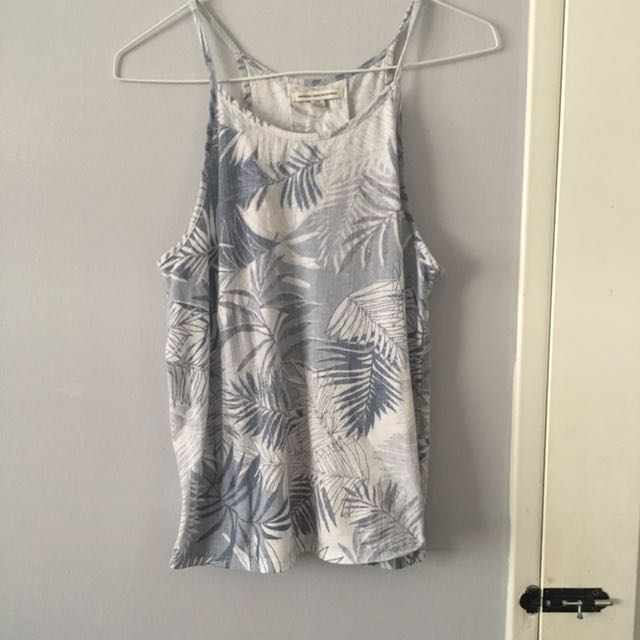 American Eagle Flowy Top Size s