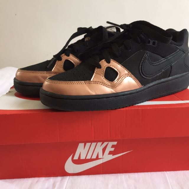 AUTH NIKE SON OF FORCE SHOES