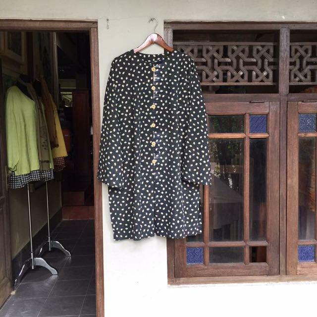 Baju dan Celana Klasik