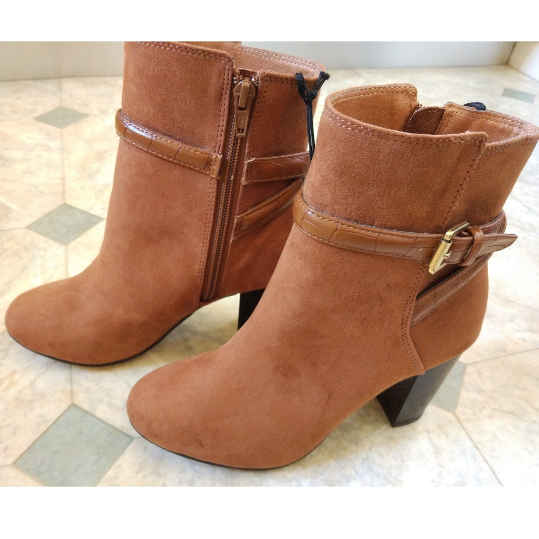 BRAND NEW H&M ANKLE BOOTS!!