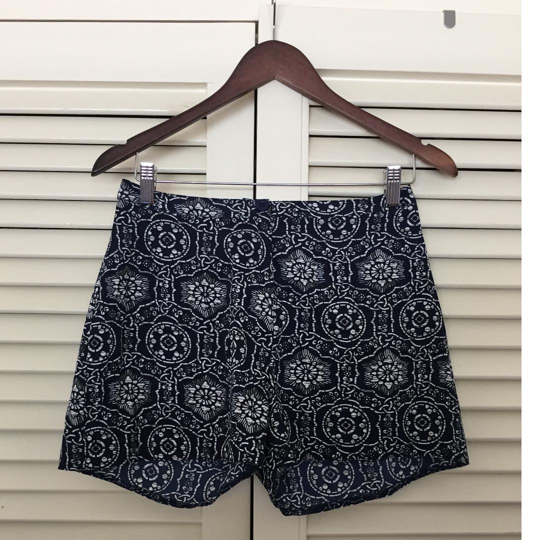 BRAND NEW pattern shorts (size 6)