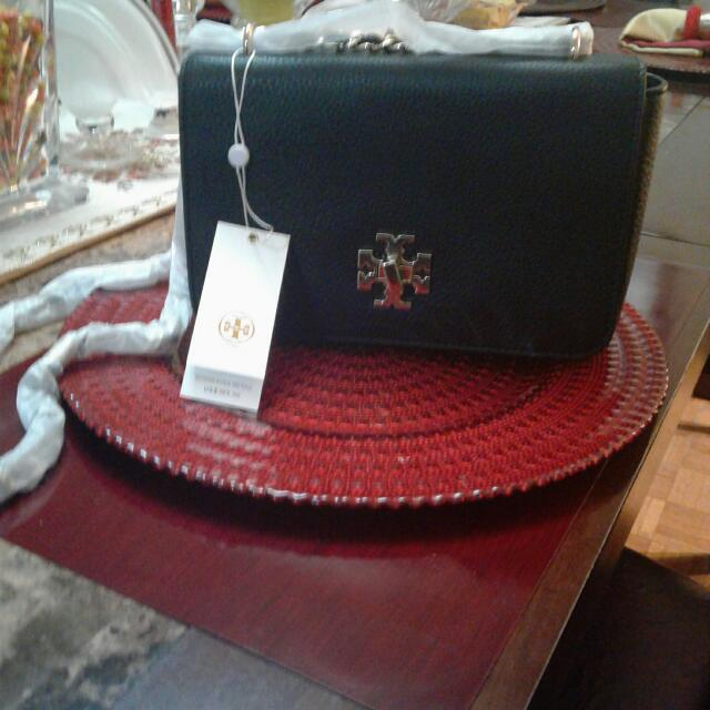 Brand New Tory Burch  Purse Mercer 100 Percent Authentic  Adjustable Sholder Bar .
