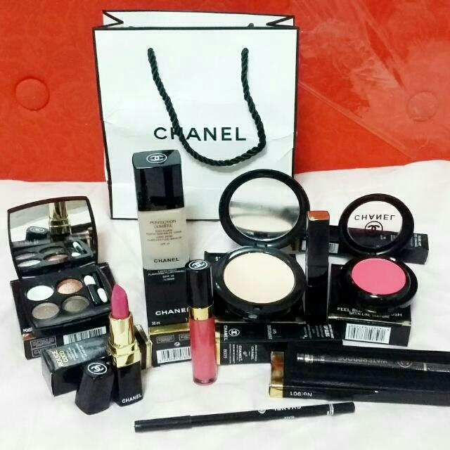 Chanel  Make UP 9 In 1