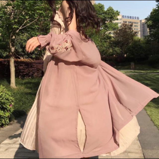 Chic韓版超美型氣質電繡花朵圖騰雪紡長版罩衫外套百搭款
