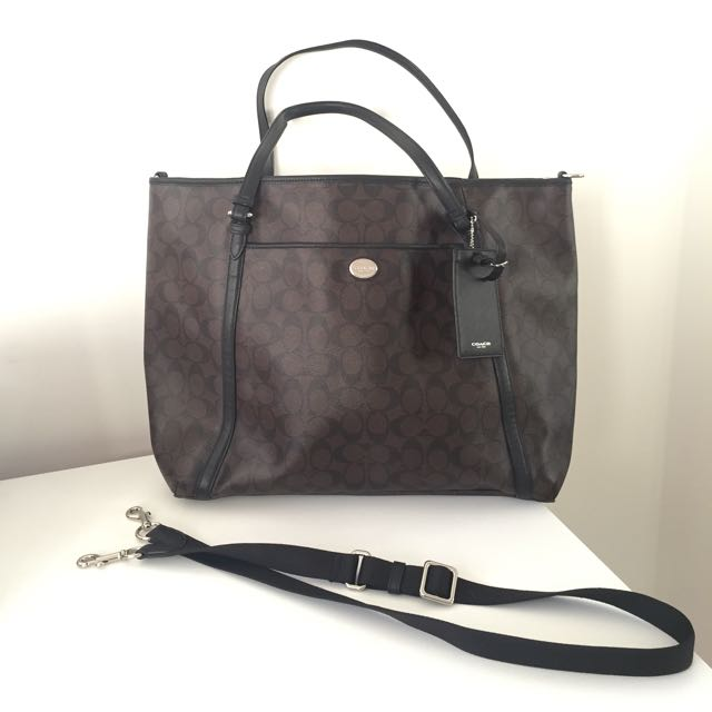 Authentic Coach Signature Large Tote / Weekend Bag