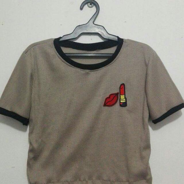 Crop top brown with patch