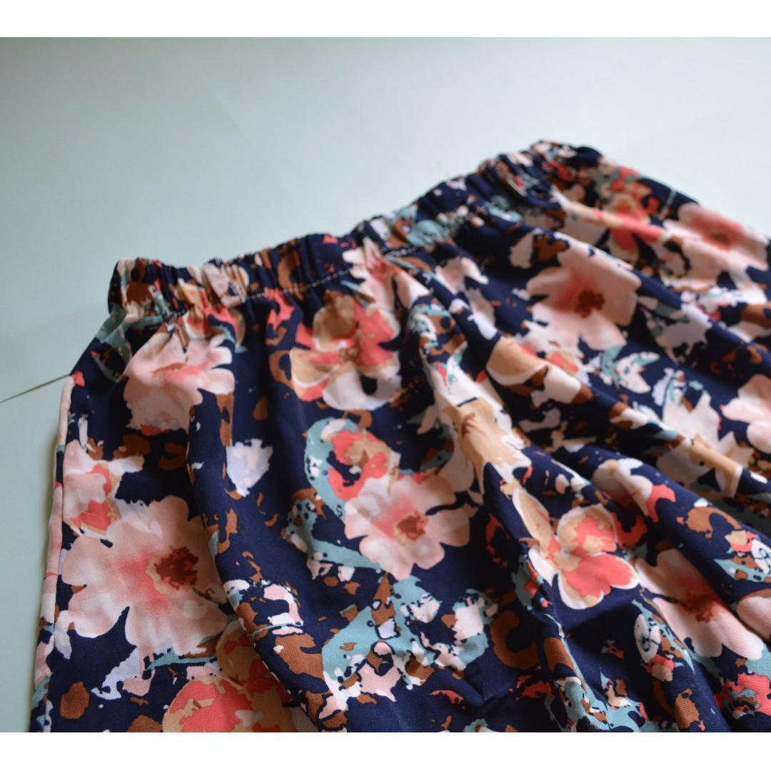 Flower pattern skort