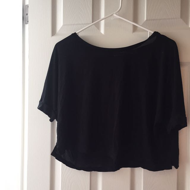 Flowy Black T-shirt, Cuffed Sleeves