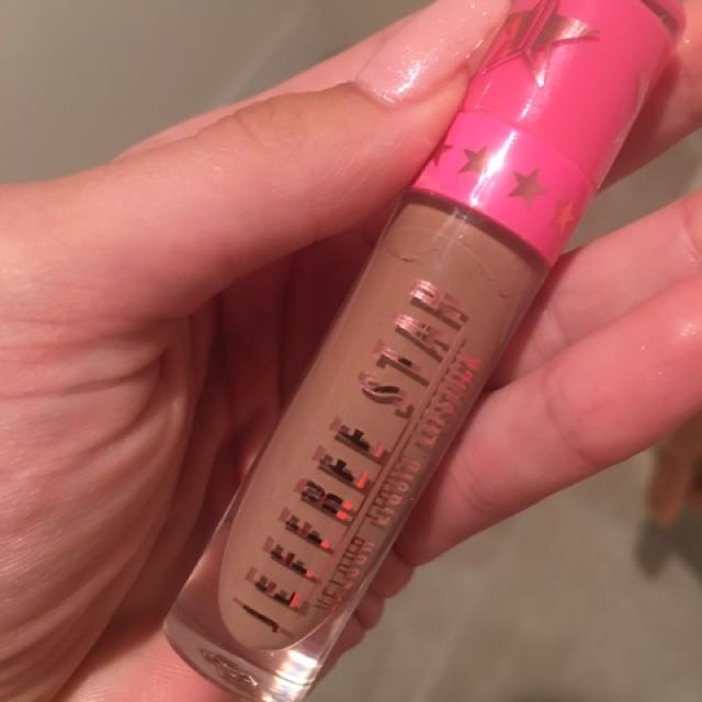 Jeffree Star liquid Lipstick In Shade posh Spice