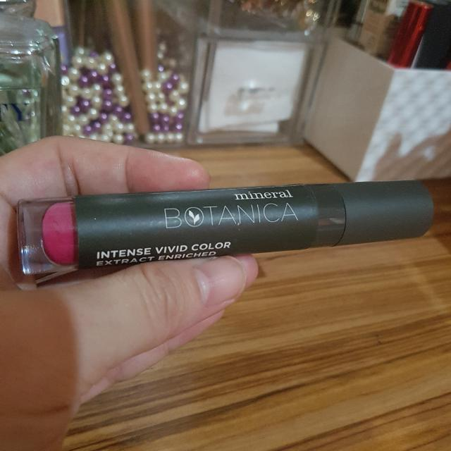 Mineral Botanica Soft Matte Lip Cream - 003 Pink Parfait, Health & Beauty, Makeup on Carousell