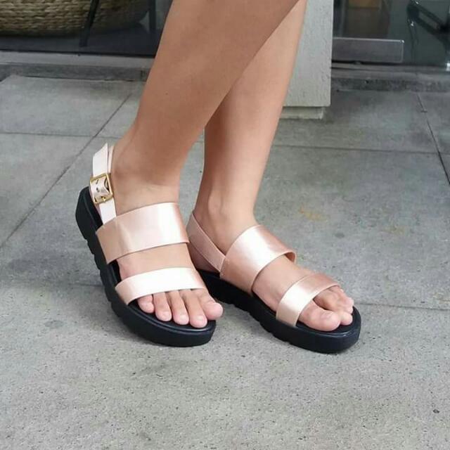 original vincci champagne sandals size 7(38)