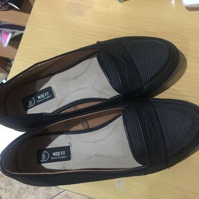 Sepatu Uk. 41
