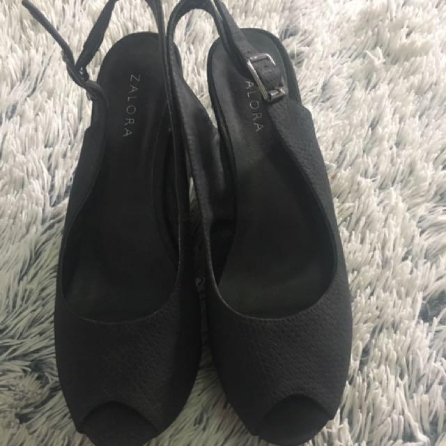 Sepatu Wedges Zalora
