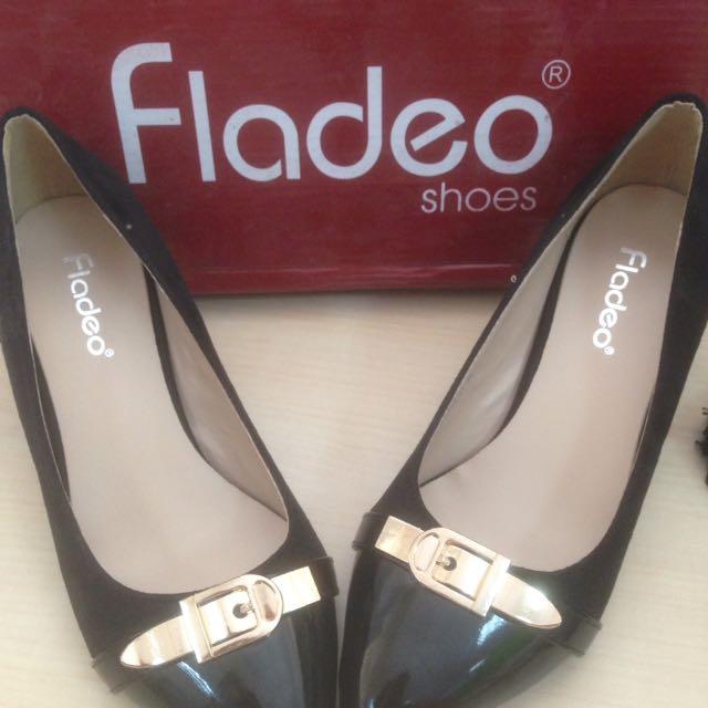 Spatu Fladeo Hitam Size 36