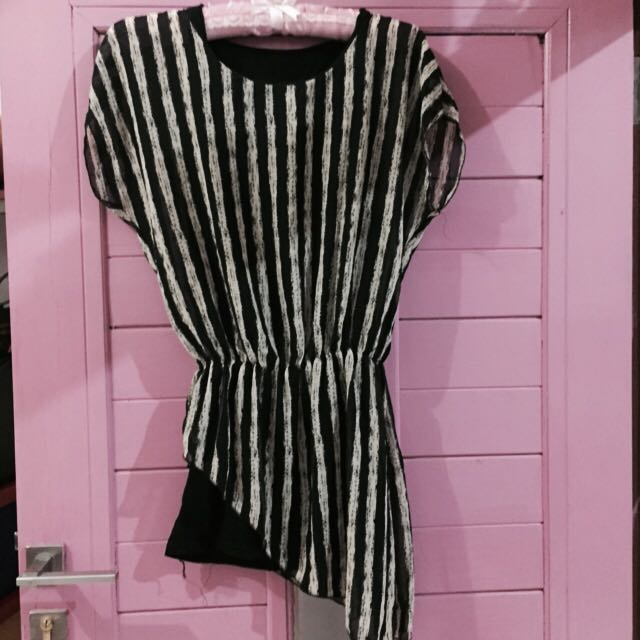 Stripe dress ( FREESIZE) fit to L