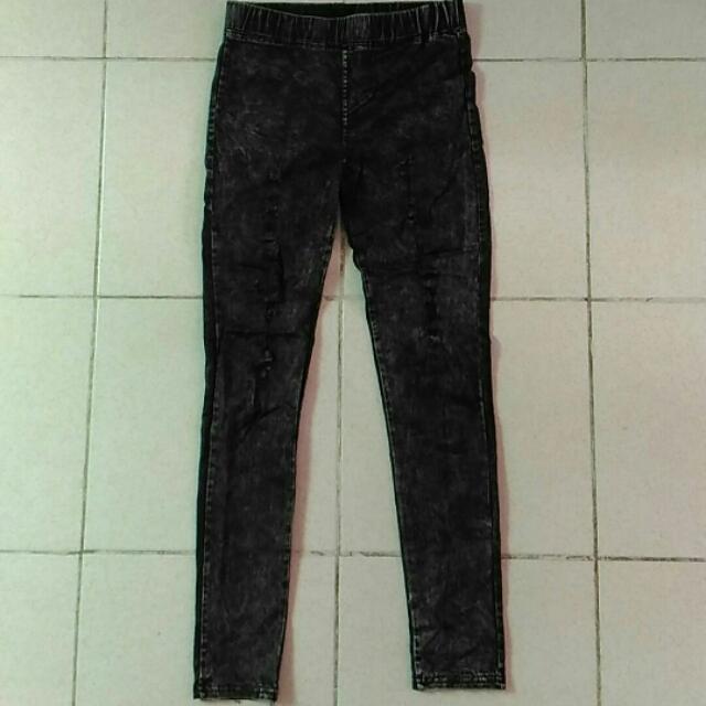 Tattered Leggings Semi Jeans
