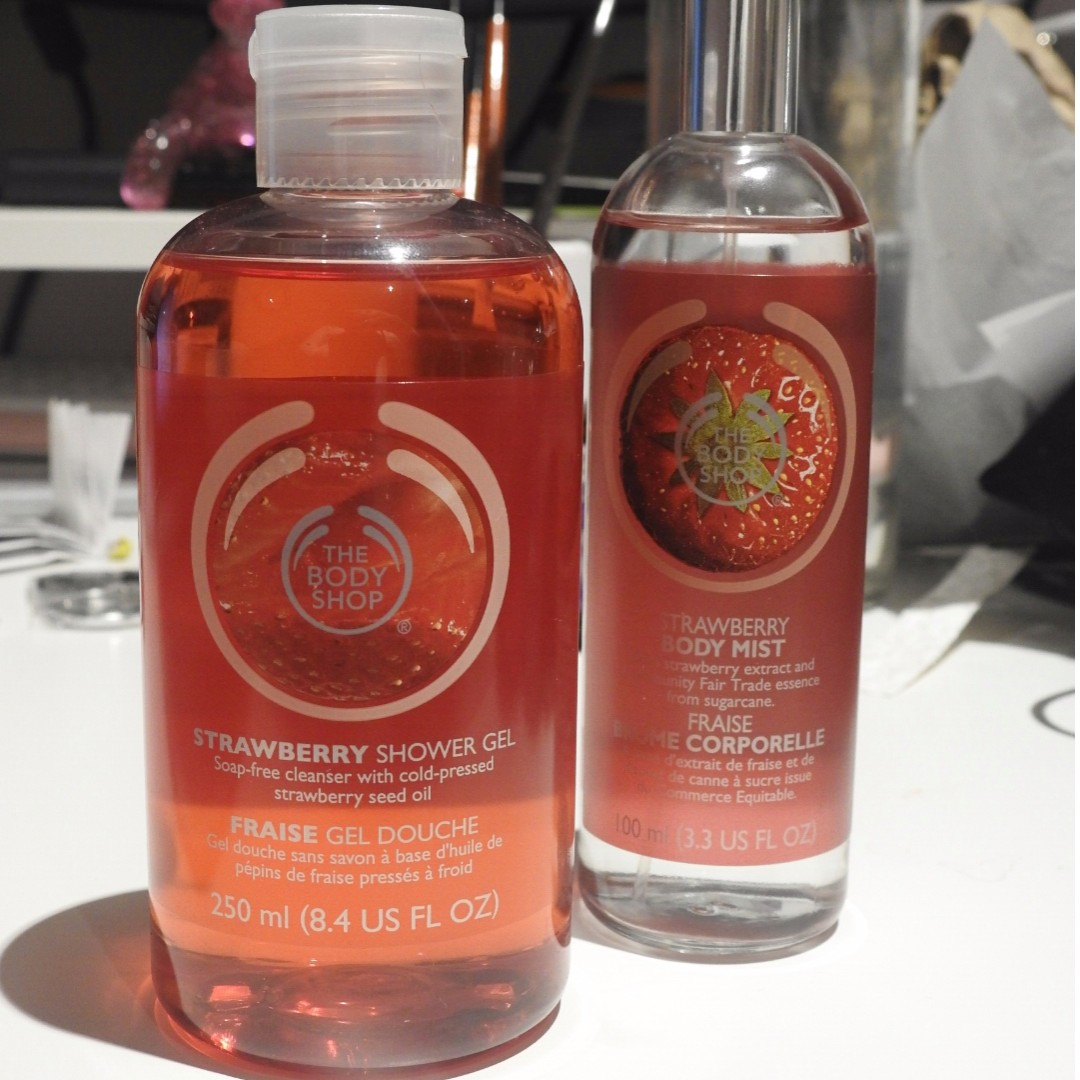 The Body Shop Strawberry Duo Pack