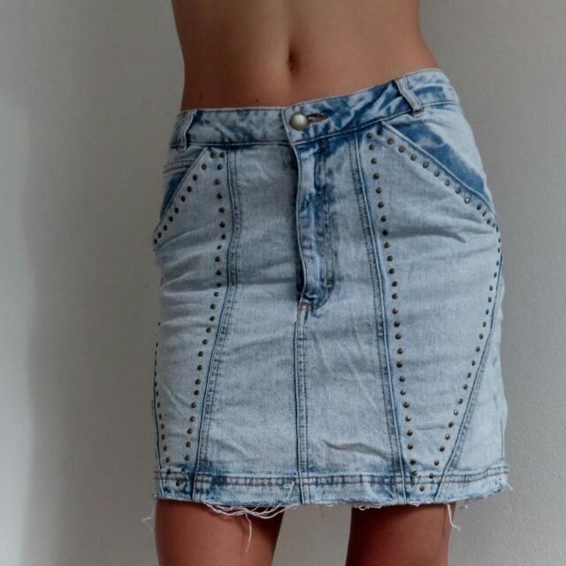Vintage Acid-Wash Denim Skirt With Studs