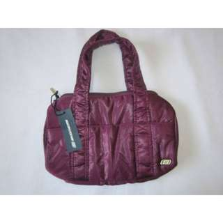 SKECHERS Quilted Gym Bowling Bag / Handbag- Maroon