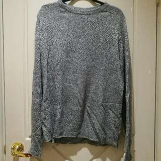 Size L sweater