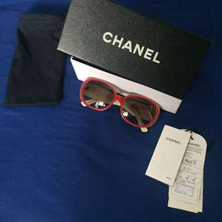 CHANEL authentic Sunglasses