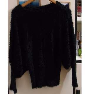 黑色毛毛衫
