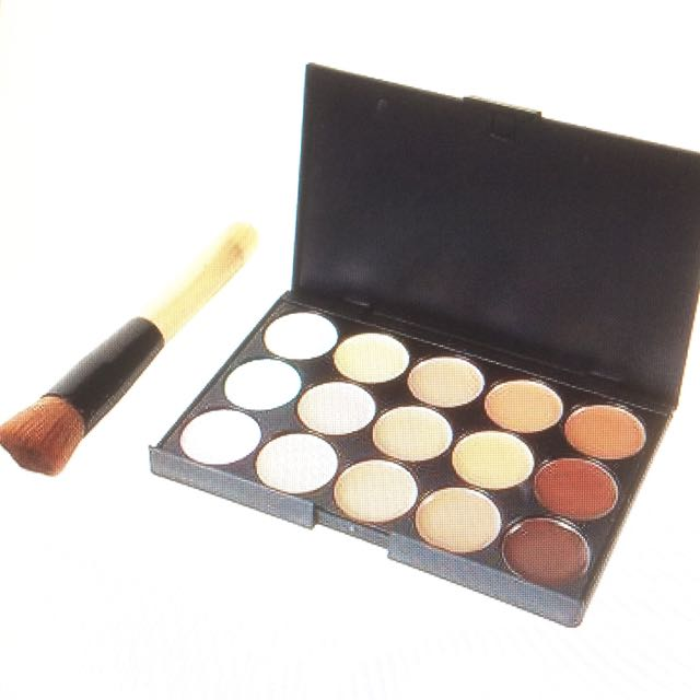 15 colour contour and highlighter palette with brush