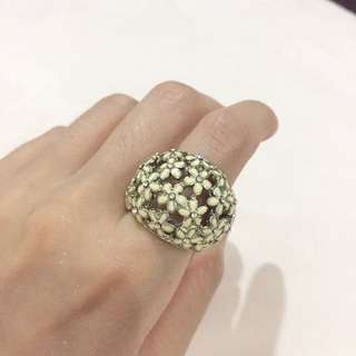 Forever New Flowery Ring