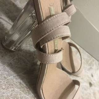 Billini high Heels - SIZE 8