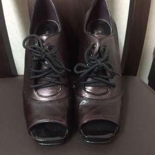 西班牙品牌V高跟鞋