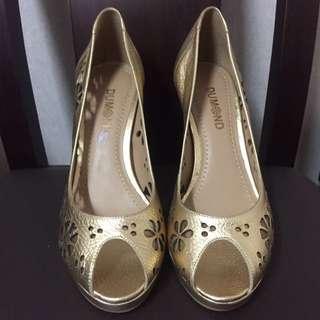 日本限量版鏤空花型金色高跟鞋 #五百元好女鞋