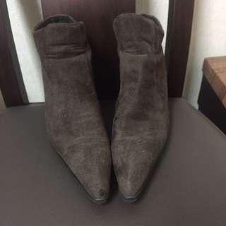 麂皮棕色短靴 #五百元好女鞋