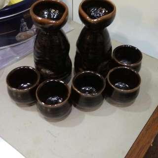 清酒杯連成酒瓶