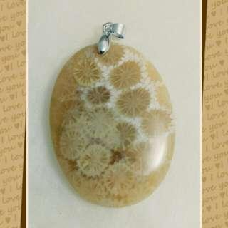 珊瑚玉墜(發財玉)