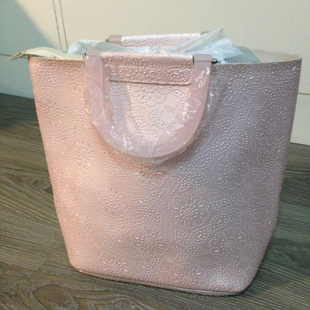 粉色手提氣質包款