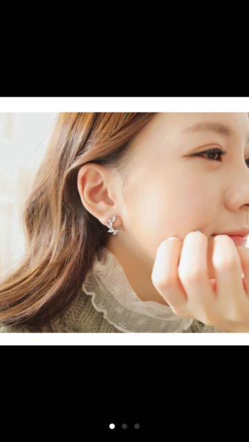 (特價!)(全新)韓版氣質金色菱形水滴水鑽夾式耳環 耳夾 耳扣 無耳洞耳環