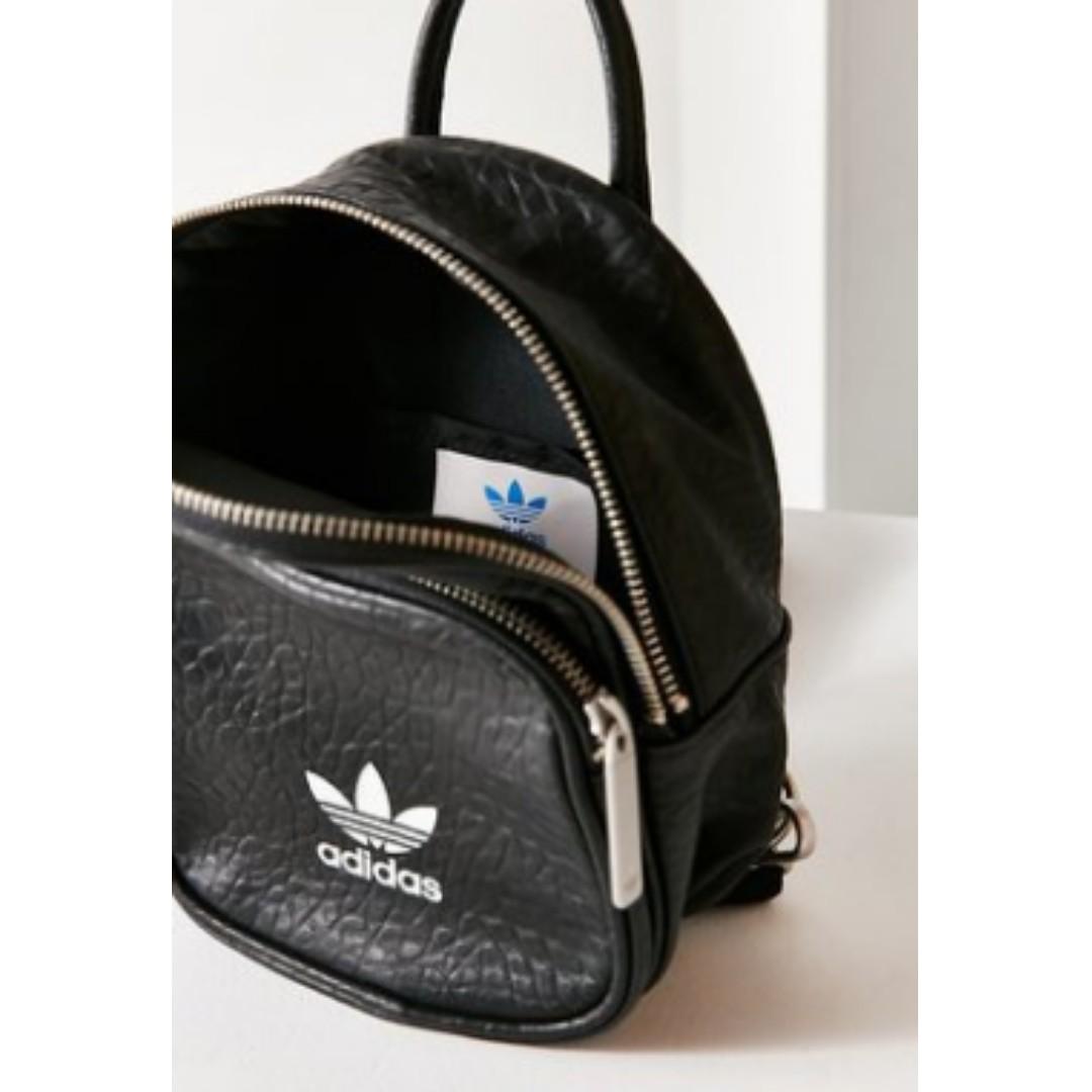 fb86e5b5144a Adidas Classic Mini Backpack BK6951 (Limited Edition)