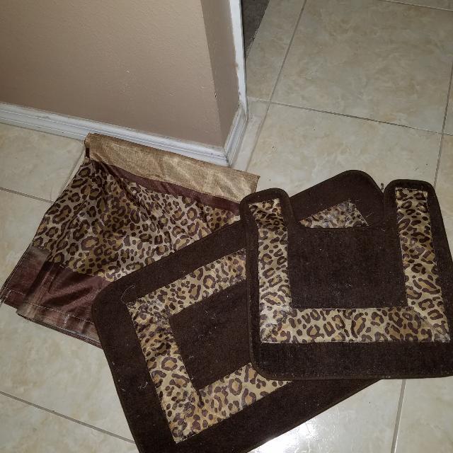 Animal PRINt Shower Curtain And BATH MATS