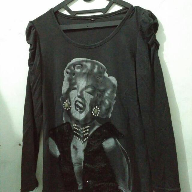 Black Long Sleeve Shirt (Kaos Lengan Panjang Hitam)
