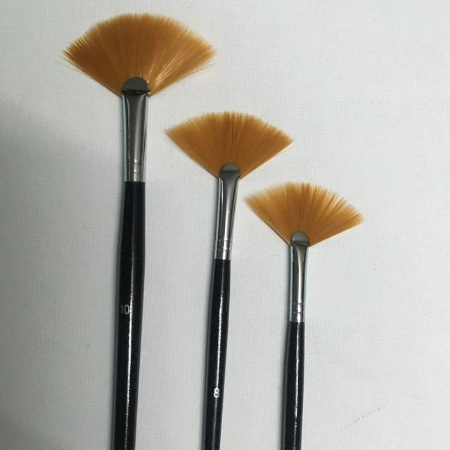 Brush Fan Set