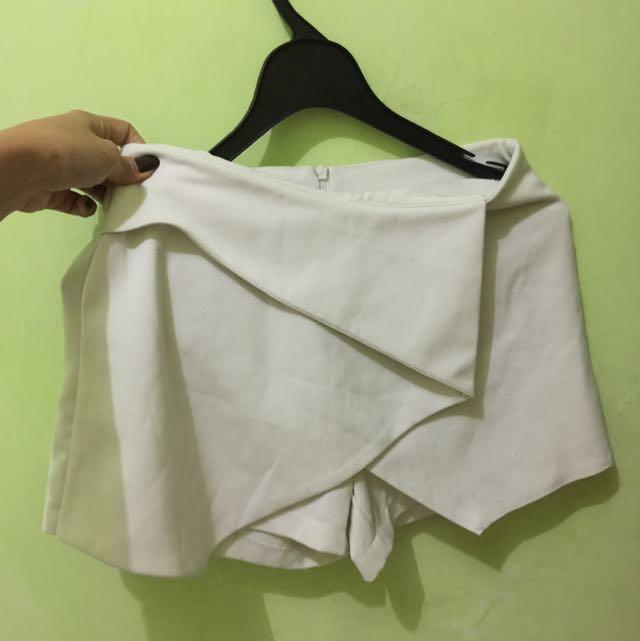 Celana Rok Pendek Putih