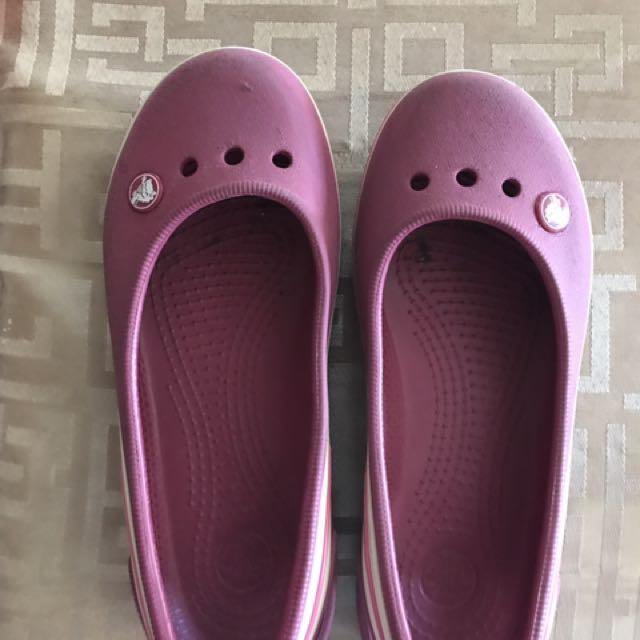 Crocs For 6-7 Y/o