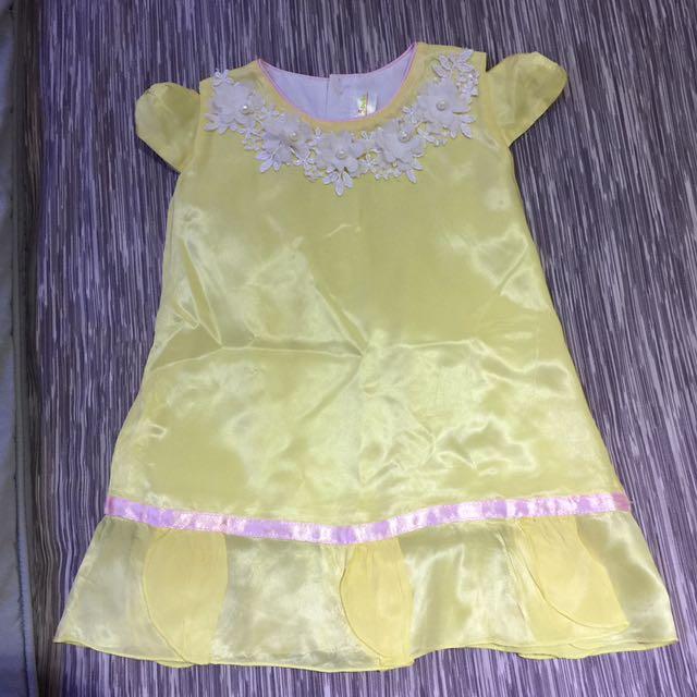 Dress Kuning Bahan Silk Size S (1-2tahun)