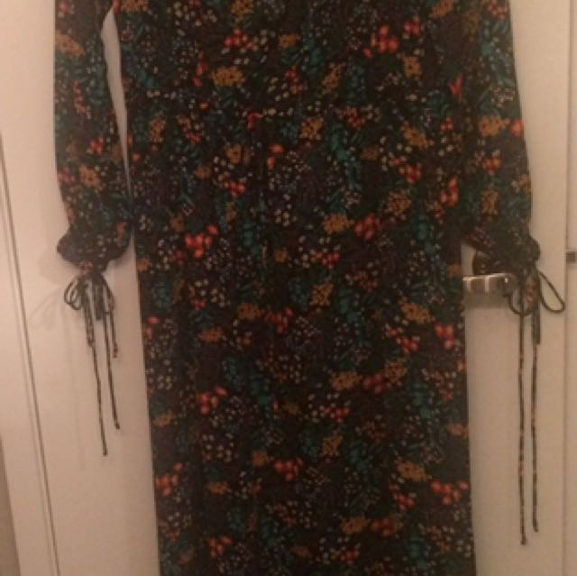 Forever 21 Floral Maxi dress - Small