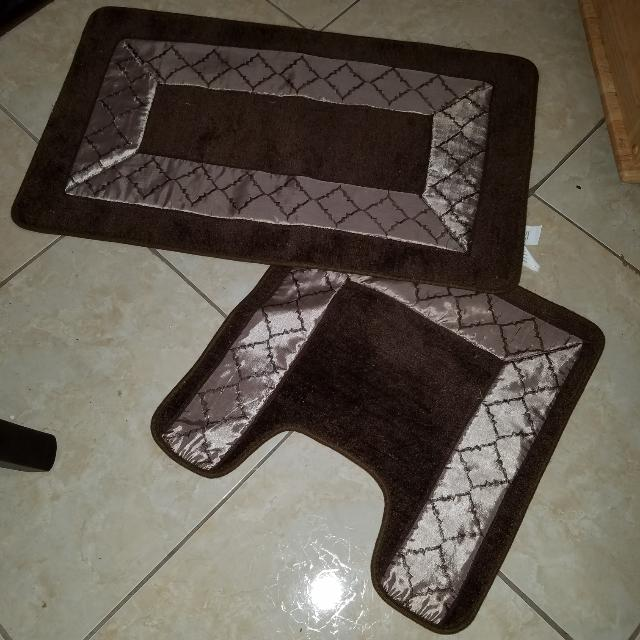 Gold And BROWN BATH RUGS
