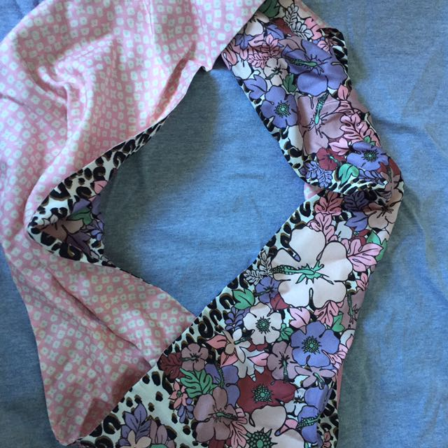 Louis Vuitton Head Scarf: Neck Scarf