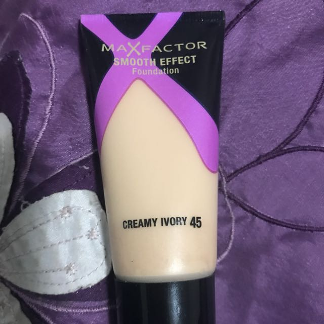 Max Factor Smooth Effect Foundation - Creamy Ivory