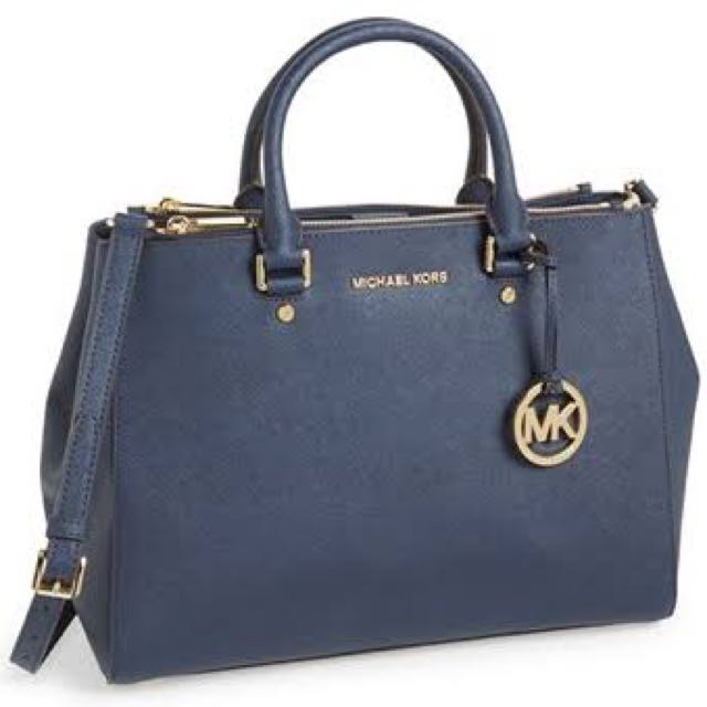 Michael Kors Sutton preloved Navy Blue Medium. COD jakarta selatan - authentic